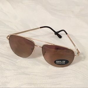 Liz Claiborne aviator sunglasses